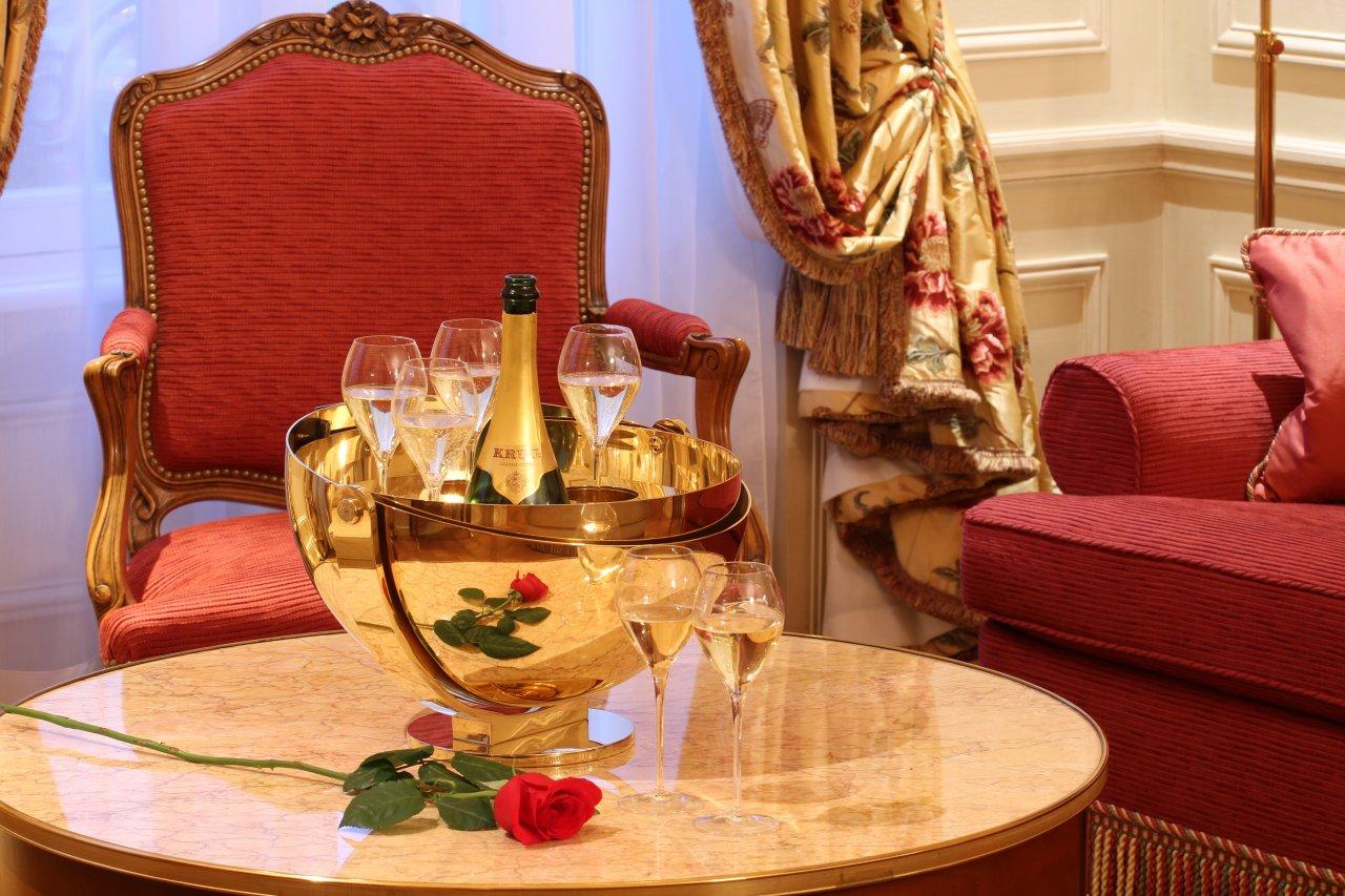 Suite Bristol - Rose et champagne