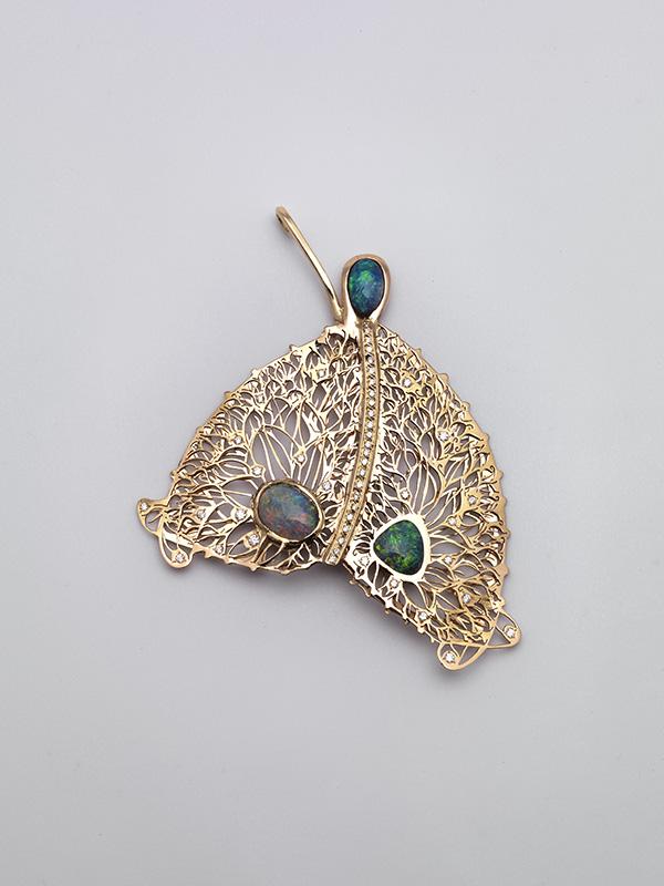Papillon de rêve aux opales de feu - Sara Bran