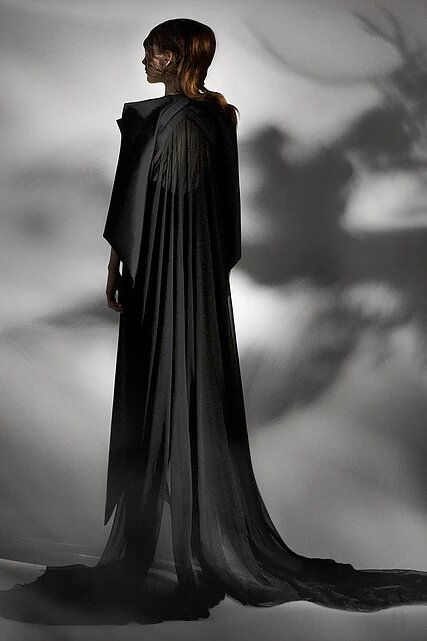 Collection capsule 'Black Iris' de Mihca Cho