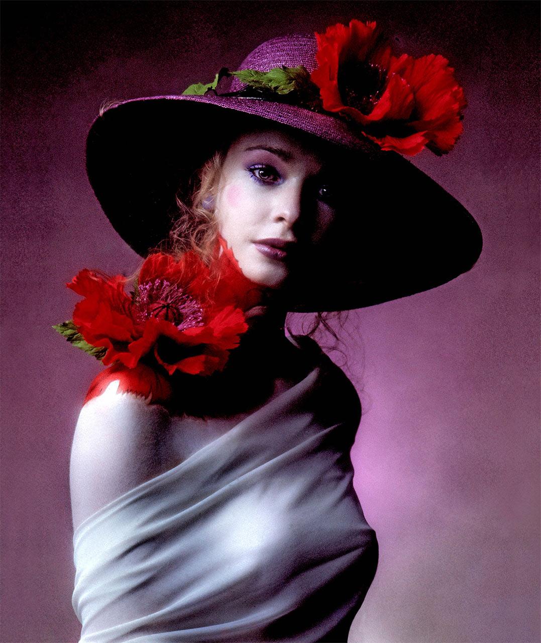 Clive_Arrowsmith-Maudi-flower©