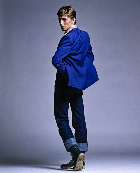 David-Bowie-back-Blue-Jacket.-back-view.-Arrowsmith.©