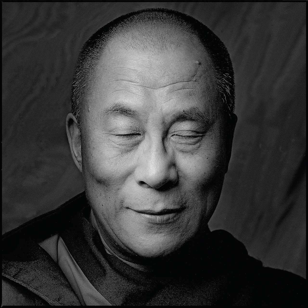 HH-Dalai-Lama-Eyes-Closed-Square-Arrowsmth-