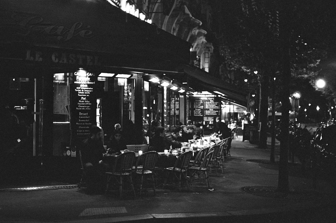 Leo_Piastra_Paris-café parisien