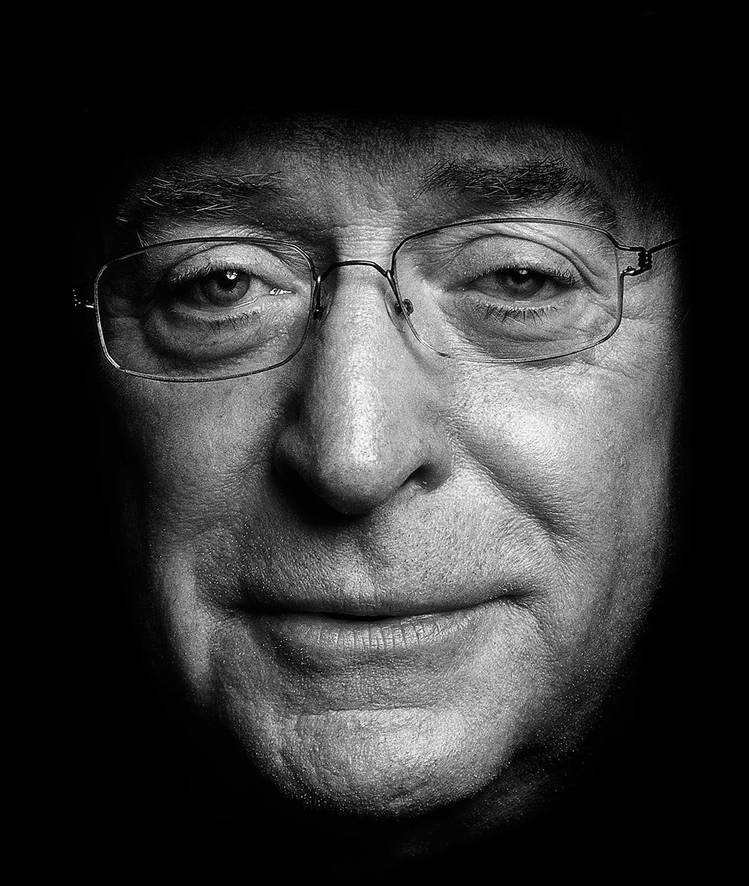 Michael-Caine-Close-up -Arrowsmith
