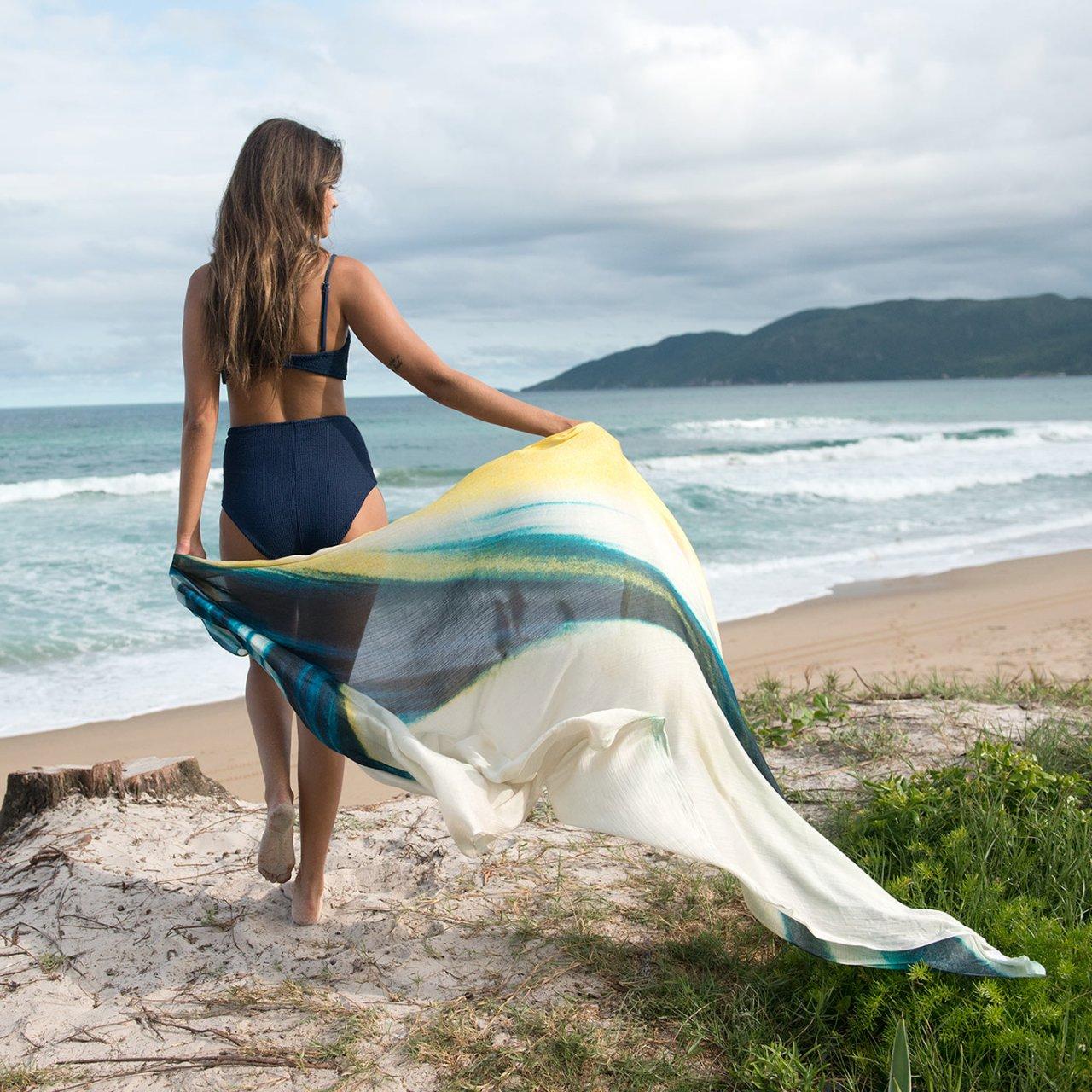Étole de plage en soie Atelier Arty Apparel