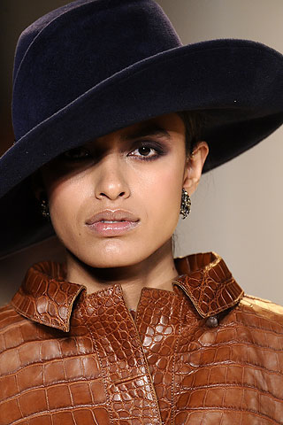 Chapeau Carolina Herrera - Albertus Swanepoel