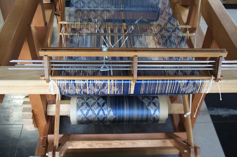 Silk weaving line in Kyoto - ForWeaver