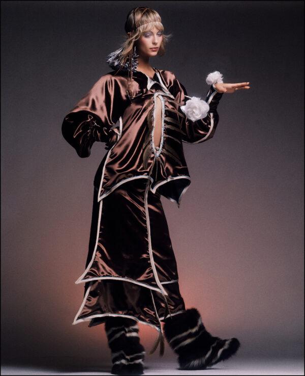 ELAB-644-Ann-Bronze-Velvet-art-Arrowsmith©